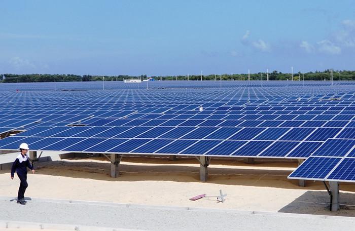 87 nhà máy điện mặt trời đã hoạt động liệu đã giúp giá điện hạ nhiệt?